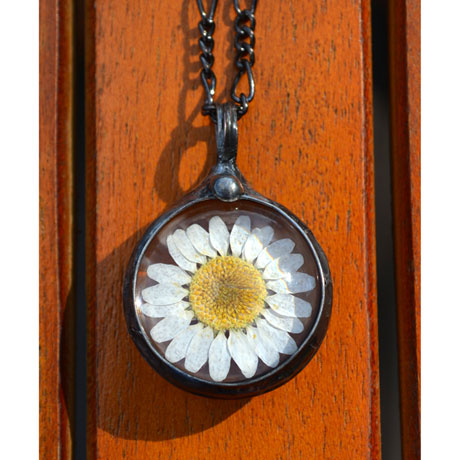 Real Daisy Flower Pendant