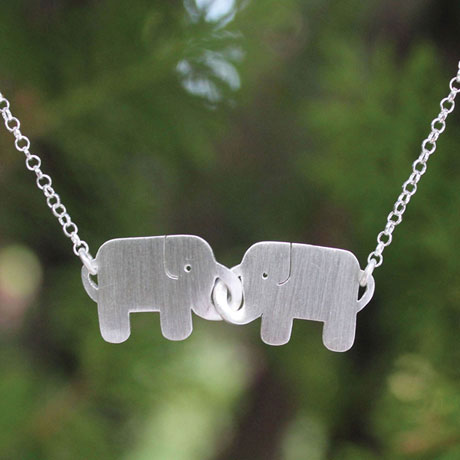 Friends Forever Elephants Necklace