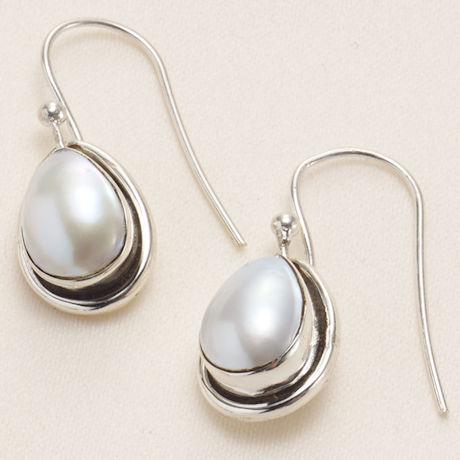 Artistic Pearl Earrings