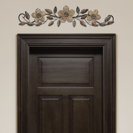 Floral Patterned Wood Overdoor Décor