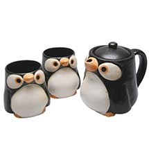 PENGUINS TEA SET (POT AND TWO CUPS)