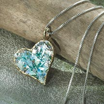 ROMAN GLASS HEART NECKLACE