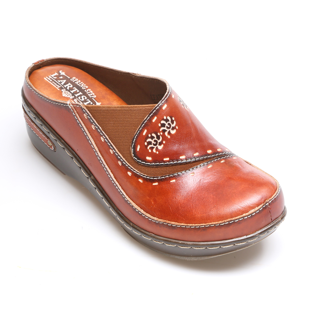 Closed Back Hand Painted Leather Clogs